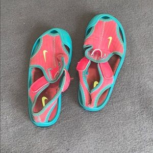 Size 10 Nike sandals